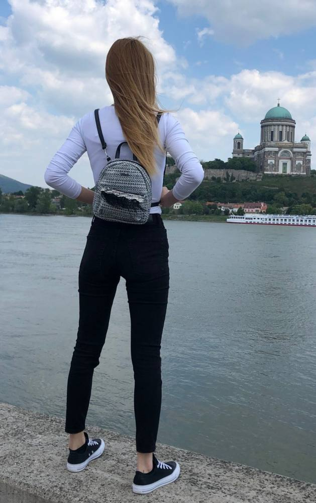 kabelky dámske ruksaky batohy ľadvinky kozmetické tašky pánske tašky módny doplnky