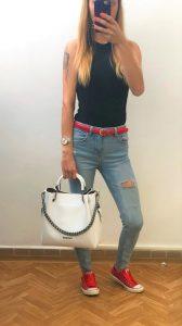 extravagantná dámska kožená kabelka biela s retiazkou
