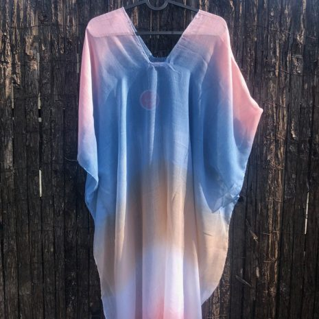 kaftany plážové šaty tuniky