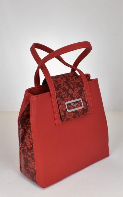 Extravagantná dámska kabelka do ruky s prídavným dlhým ramienkom.