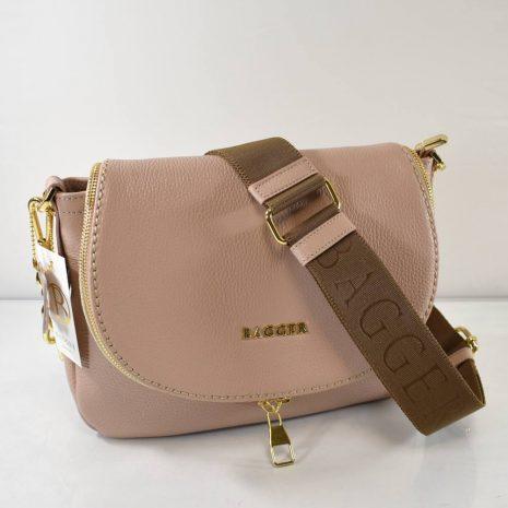 Praktická športovo elegantná crossbody dámska kabelka v krásnej pudrovej farbe so zlatými detailmi