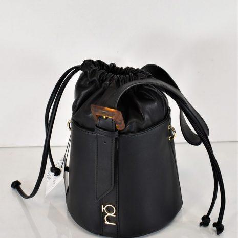 Extravagantná čierna kabelka dámska