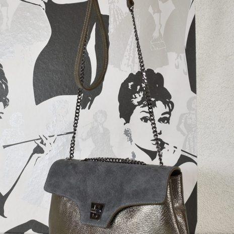 metalická kabelka baggerka s retiazkami