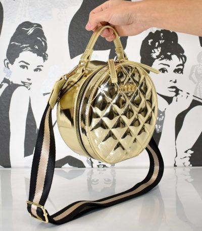 Krásna elegantná lakovaná zlatá kabelka malá do ruky či krížom cez plece