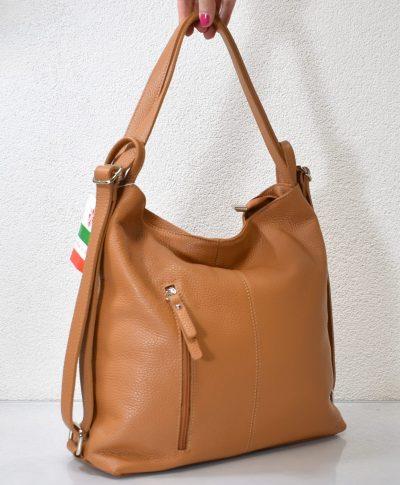 Praktická, športovo elegantná dámska taška ktorá sa dá nosiť aj ako ruksak