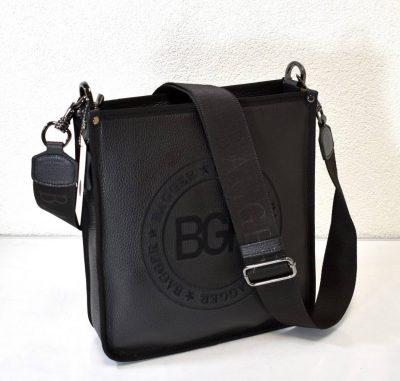Kožená pánska kabelka v čiernej farbe s dlhým nastaviteľným ramienkom