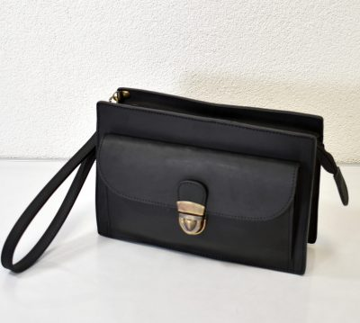 Elegantná pánska kabelka s putkom do ruky v čiernej farbe