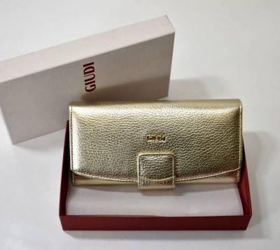 Značkové kožené dámske peňaženky giudi