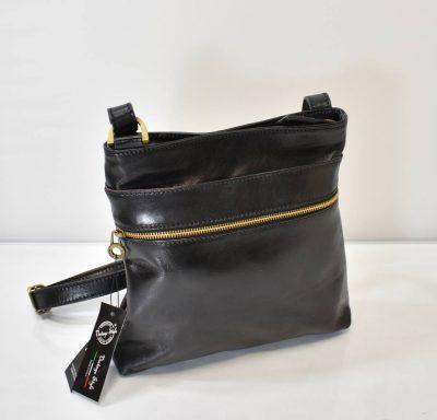 Elegantná crossbody kabelka vo vintage, neutrálnom štýle