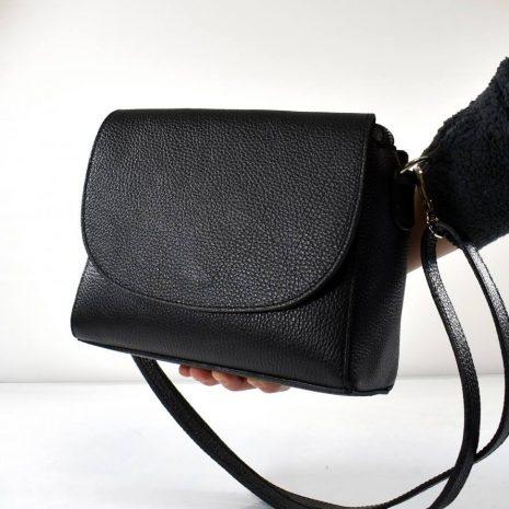 Dámska malá čierna kožená crossbody kabelka ITALY