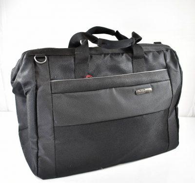 Veľká cestovná taška z kvalitného tvrdeného materiálu v čiernej farbe