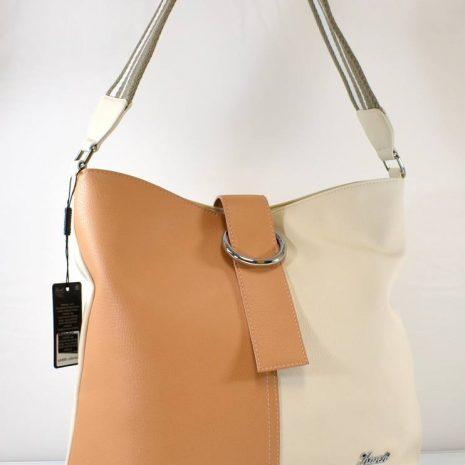 Športovo elegantná dámska kabelka v krémovo hnedej farbe so športovým látkovým uchom na rameno