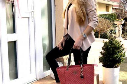 Krásna kabelka v lososovej farbe s dvomi na rameno/do ruky