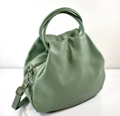 Športovo elegantná dámska kabelka v jemnej zelenej farbe do ruky s prídavným ramienkom krížom cez rameno