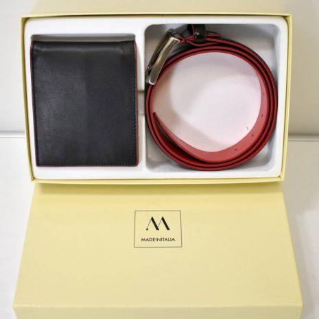 Dostupnosť:  skladom 1-3 dni  Materiál: pravá koža  Farba: čierna s oranžovou  PEŇAŽENKA: čierna s oranžovým lemom, priehradky na karty, celé peniaze + priehradka na mince na magnet  Rozmery peňaženky: 10x2x12cm  OPASOK: čierny s oranžovým vnútrom a striebornou prackou, kožený, jemne lakovaný povrch  Rozmery opasku:  varianta: 95/110  varianta: 110/125  Do poznámky k objednávka uveďte požadovaný rozmer opasku!!!  (možnosť odšrobovať a zmenšiť podľa potreby)  Ošetrovanie a starostlivosť hladkej koži: vyčistiť jemnou handričkou a mydlovou vodou, pravidelne ošetrovať jemným krémom (včelí vosk, impregnačné látky)