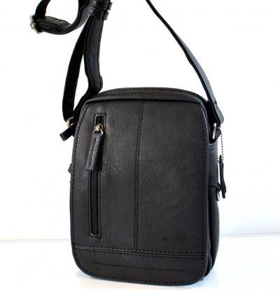 Praktická, športovo elegantná pánska kabelka v čiernej farbe s nastaviteľným ramienkom