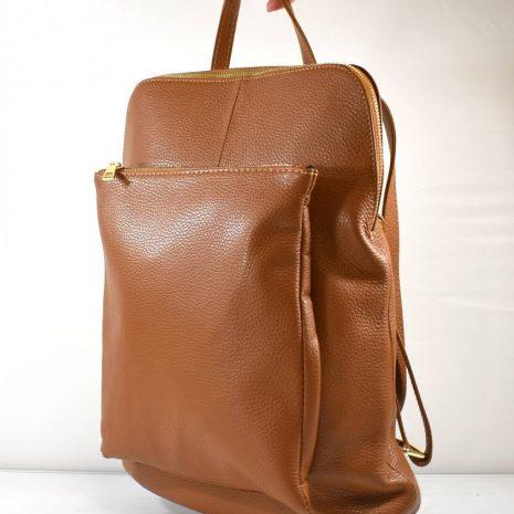 Veľký praktický dámsky hnedý kožený batoh